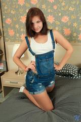 Karolina In Innocent Looks 00