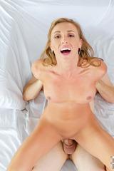 Busty MILF Kate Linn 12