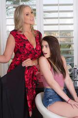 Joseline Kelly And Julia Ann 00