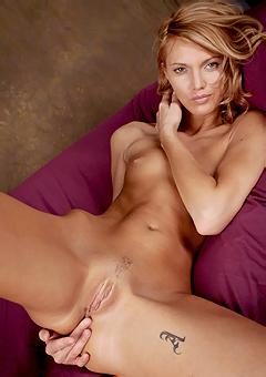 Sensual Teen Girl Posing Naked