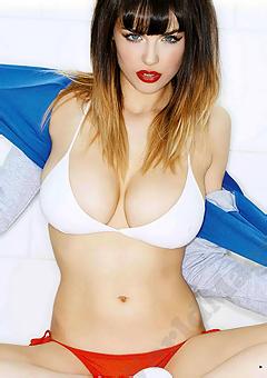 Busty Celeb Danielle Sharp