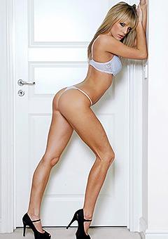Mackenzie Sexy Glamour Babe