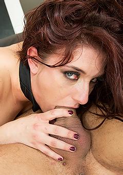 Curvy Pornstar Mischa Brooks