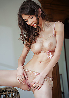 Sexy Teen Mila