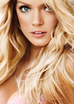 Famous Model Lindsay Ellingson