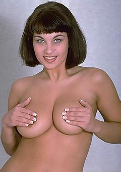 Sexy Brunette Kira