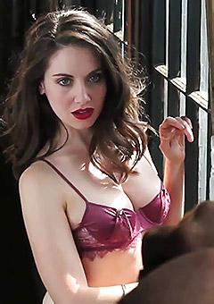 Sexy Alison Brie Pics